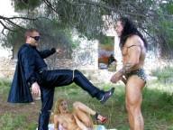 Vidéo porno mobile : Conan the Barbarian and the desperate housewife in heat